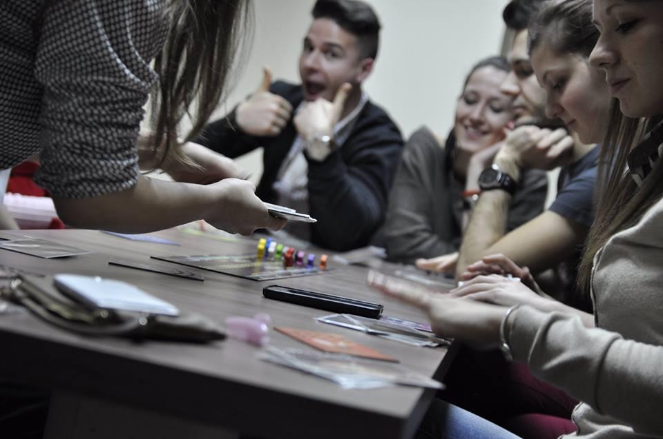 Любителите на настолни игри ще могат да се потопят в още интересни преживявания – не просто игри, а игрите като причина и възможност за нетуъркинг и полезни контакти на 31 март (вторник) от 19:30 ч. в Essence Center