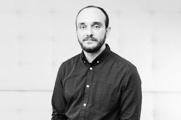 """Светослав Стойков, участник в Сезон 6 на 9A: """"Получаването на обратна връзка от менторите и публиката бе едновременно вдъхновяващо и отрезвяващо."""" 7"""