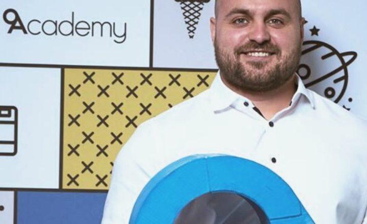 Димитър Иванов е от участниците в сезон 6 на 9Academy.
